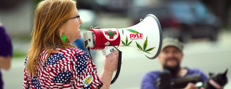 cannabis demonstration USA states legalized Trump