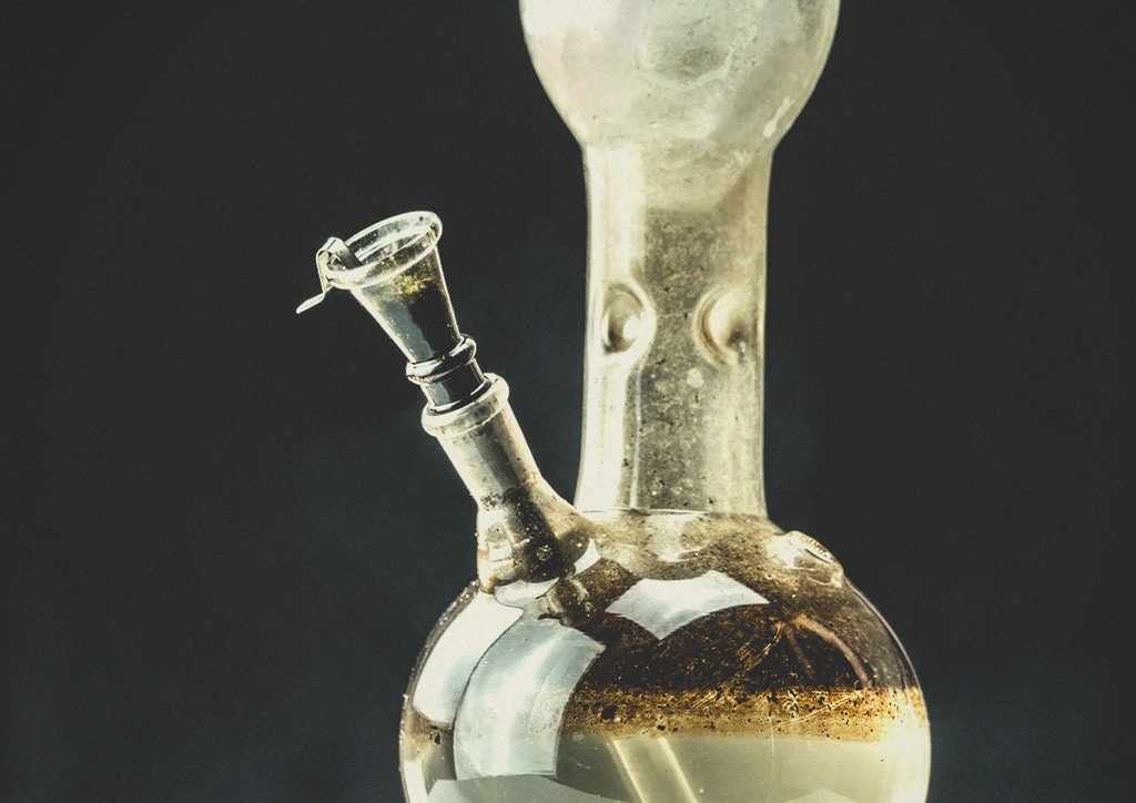 Here Is Why You Should Change Your Bong Water On A Regular Basis