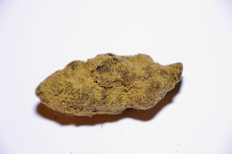 MoonRocks And SunRocks: What Are They And How To Smoke Them