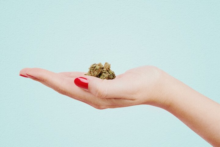 Women Using Cannabis For Health