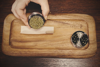 No Papers? No Problem! — The Best Ways To Smoke Weed Without Rolling